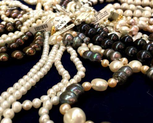 Goldankauf Würzburg -Perlenketten/ Secondhandschmuck